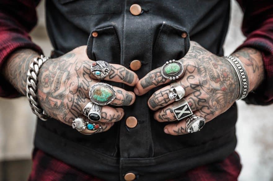 Tattoo Am Arbeitsplatz Was Ist Erlaubt Und Was Darf Der Chef